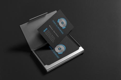 DJ sucht neues Corporate Design
