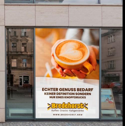 Plakat-Design mit Fokus auf das Thema Kaffee